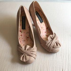 Diva Lounge mauve 8.5 heels